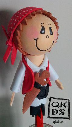 Llapis-pirata de goma eva.