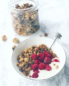Granola Granola, Cereal, Oatmeal, Breakfast, Food, The Oatmeal, Morning Coffee, Rolled Oats, Essen