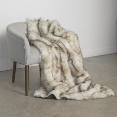 Faux Fur Blanket, Faux Fur Throw, Large Blankets, Throw Blankets, Throw Pillows, Daybed Sets, Faux Fur Bedding, Patio Daybed, Champagne