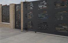 Gard, poarta  balustrada metal decupat - Traforate.ro Front Gates, Entrance Gates, Tor Design, Cnc Cutting Design, Industrial Style Furniture, House Gate Design, Privacy Screen Outdoor, Metal Gates, Aluminum Fence