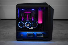 PC modding at its best via this DIY skills! This rig was built on a MasterCase 5 using our lastest accessory to show off the video card! Gaming Pc Build, Computer Build, Gaming Room Setup, Computer Setup, Pc Setup, Computer Case, Gaming Computer, Pc Cases, Watercooling Pc