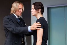 Pictures From The Hunger Games Movie - Haymitch and Katniss (Woody Harrelson and Jennifer Lawrence)