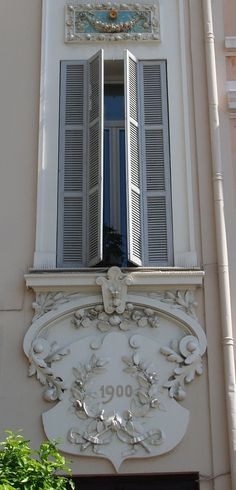 FRENCH BROCANTE GRIMAUD I would just love to be on the other side of this window, looking out!!