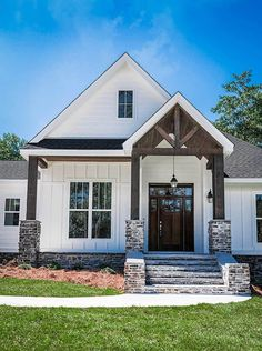 Bed Contemporary Craftsman with Bonus Over Garage - thumb - 04 3 Bed Contemporary Craftsman with Bonus Over Garage - thumb - 04 White Farmhouse Exterior, White Exterior Houses, Dream House Exterior, Exterior House Colors, Black Windows Exterior, Craftsman Exterior Colors, Contemporary Farmhouse Exterior, Modern Farmhouse Plans, Exterior Siding