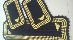 Tapete de cozinha jogo de 3pcs lançamento  Tapete da pia 1,40x,45  Tapete da galeria 0,75x0,45  Tapete do fogão 0,75x0,45  Os tapetes podem ser vendidos separados  A cor é da sua escolha.