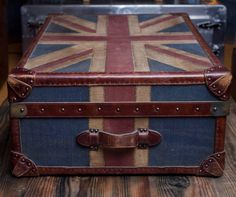 Timothy Outlon Watson Union Jack Trunk #british