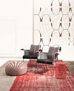 Komfortzone: der Iris Sessel M' Afrique Collection von Moroso Types Of Furniture, Furniture Making, Furniture Design, New Interior Design, Restaurant Interior Design, Ethno Design, Single Sofa, Luxury Sofa, Living Room Sofa