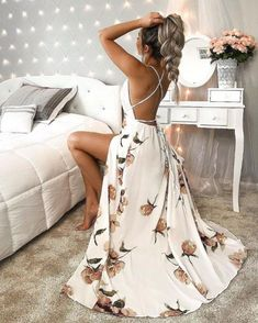 We're completely obsessed with this outfit lookTAG your besties shop LINK in bio search: Slit Floral Criss Cross Maxi Dress - White S Discount Code: ZFGB Cute Prom Dresses, Grad Dresses, Pretty Dresses, Homecoming Dresses, Beautiful Dresses, Summer Dresses, Flowy Dresses, Gorgeous Dress, Summer Outfits