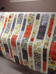 Millions of Thoughts and Urban Quiltworks: Marmalade Grey Quilt Love the colours