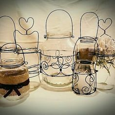 Pot Mason, Mason Jar Crafts, Bottle Crafts, Mason Jars, Wire Crafts, Metal Crafts, Barbed Wire Art, Wire Wall Art, Wire Art Sculpture