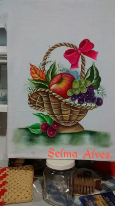 Cesta com fruta! O risco peguei aqui no Pinterest.Amei Fruit Basket Drawing, Tole Painting, Drawing For Kids, Still Life, Hand Embroidery, Art Drawings, Planter Pots, Crafts, Vintage