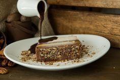 Tentações: torta feita de sorvete com calda quente de chocolate! <3 (Feito de Sorvete, Porto Alegre, RS, Brasil)
