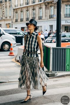 The latest fashion news, style tips and show reports from Fashion on Telegraph. Milan Fashion Week: the best street style looks, from breezy dresses to . * Read more information by clicking the image. Nyfw Street Style, Street Chic, Street Styles, Street Fashion, Milan Fashion, Latest Fashion, Fashion Weeks, Versace, Caroline Issa