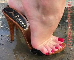 Black Strappy High Heels, Sexy Legs And Heels, Stiletto Heels, Beautiful Toes, Beautiful High Heels, Cute Toes, Pretty Toes, Women's Feet, Feet Soles