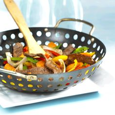 Wok Recipes, Stir Fry Recipes, Barbecue Recipes, Bbq, Grill Skillet, Marinate Meat, Beef Strips, Duck Sauce, Beef Stir Fry