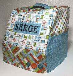 Sewing Machine Covers - Sew, Hem and Serge Serger Projects, Sewing Projects For Beginners, Serger Sewing, Sewing Notions, Bernina Serger, Janome, My Sewing Room, Sewing Rooms, Sewing Hacks