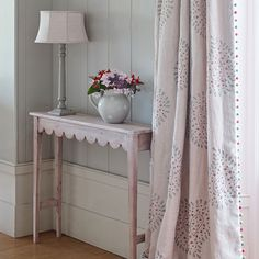 Susie Watson Designs offers a timeless collection of handmade fabrics, wallpaper, furniture, pottery, soft furnishings & gifts in her signature colour palette. Susie Watson, Made To Measure Curtains, Curtains With Blinds, Cheap Curtains, Blue Curtains, Wallpaper Samples, Soft Furnishings, Just In Case, Shabby Chic
