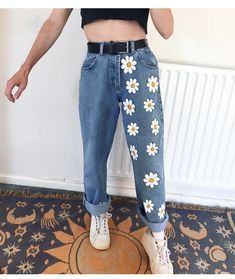 Painted Jeans, Painted Clothes, Diy Clothes Paint, Painted Shorts, Hand Painted, Diy Clothing, Custom Clothes, Diy Clothes Jeans, Thrift Clothes
