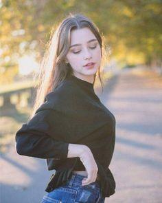    sígueme en HARVY para ver más pines así 😃    Mode Ulzzang, Ulzzang Girl, Aesthetic Girl, Girl Face, Tumblr Girls, Girl Photography, Girl Pictures, Pretty People, Pretty Woman