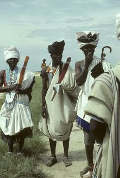 Photo African Life, African Culture, African Wear, African History, African Style, African Tribes, African Diaspora, Men Photography, Street Photography