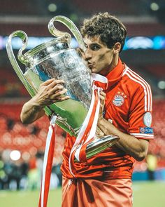 🖐🏽years ago... I will never forget that epic night at #Wembley ✨🏆✨ #Javi8 #fcbayern #ucl #win #2013