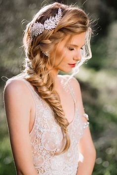 Elegant braiding and Ponytail hairstyles inspiring 30 ideas Braided hairstyles are playful, delicate and feminine, which is why they are popular with ladies of all ages. In this article, we show you whic. French Braid Hairstyles, Indian Hairstyles, Bride Hairstyles, Cool Hairstyles, Ponytail Hairstyles, Braid Styles For Girls, Long Hair Styles, Fishtail Braid Wedding, Fishtail Hair