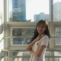 에이프릴 이나은 #웃짤닷컴 Cute Korean Girl, Korean Girl Groups, Asian Girl, Uzzlang Girl, Hey Girl, Teen Web, Teen Images, Web Drama, Kdrama Actors