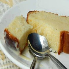 Delicioso Bolo de Banana com Canela - é de liquidificador! No Salt Recipes, Other Recipes, My Recipes, Sweet Recipes, Cake Recipes, Gourmet Desserts, Delicious Desserts, Yummy Food, Churros