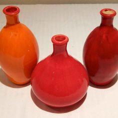 Botellitas en cerámica para darle color a tu hogar www.discrepante.com/manolatina