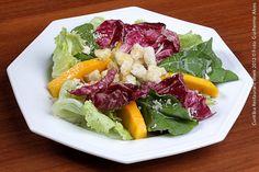 A Sacristia - (jantar)  Salada Santa Cruz  Rúcula, alface americana, fatias de manga fresca, lascas de gorgonzola e molho italiano