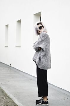 Márcia Soares - Sheinside Grey Sweater, Dealsale Sunglasses, Pull & Bear Cullotes - Eyes Without a Face меланж резинка оверсайз кеды