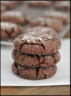 If you love sugar cookies you'll love these Soft Chocolate Sugar Cookies recipe, they're scrumptiously delicious! Chocolate Sugar Cookie Recipe, Sugar Cookies Recipe, Yummy Cookies, Cookies Soft, Bake Sale Cookies, Drop Sugar Cookies, Chocolate Drop Cookies, Crinkle Cookies, Lemon Cookies