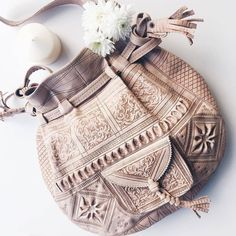 Genuine Moroccan Handmade Leather Shoulder Bag Natural Moroccan leather bag, go. Genuine Moroccan Handmade Leather Shoulder Bag Natural Moroccan leather bag, go… Genuine Morocc Hippie Bags, Boho Bags, Bohemian Bag, Bohemian Fashion, Hipster Outfits, Boho Outfits, Trendy Outfits, Fashion Outfits, Böhmisches Outfit
