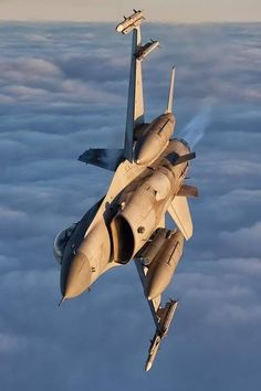 Military Jets, Military Aircraft, Military Life, Fighter Aircraft, Fighter Jets, Thrust Vectoring, F 16 Falcon, Black Beast, Military Equipment