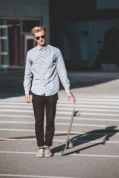 Surfer Boys, Skate Style, Work Fashion, Daniel Wellington, Ray Bans, Normcore, Vans, Facebook, Sunglasses