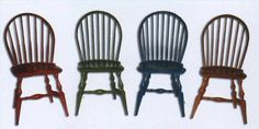 How to Paint Old Kitchen Chairs Kitchen chairs take a beating, especially in a home where there are children. The cost to replace them can be high. If you want a new fresh look for your kitchen chairs but can't… Painted Kitchen Tables, Kitchen Table Chairs, Kitchen Table Makeover, Table And Chairs, Dining Room, Wooden Chairs, Room Chairs, Dining Chairs, High Chairs