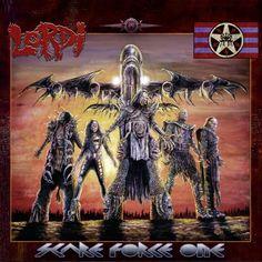 """Lordi nehmen uns in ihrer """"Scare Force One"""" (AFM Records) mit auf eine Reise in die wunderbare Welt des Horrors. Das Ganze wird untermalt mit genialer Musik. Unser """"Reisebericht"""" unter:  http://www.deepground.de/music-review/lordi-scare-force-one/"""