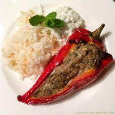 Gefüllte Spitzpaprika mit Gurken-Minz-Joghurt und türkischem Reis