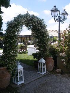 Da #RELAISNADYNE non ci si ferma mai!  #arcodellamore #lavoriamopervoi #wedding #summer #nature #flowers #followus
