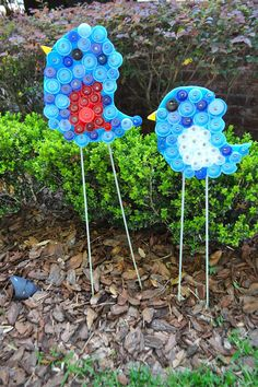 Here are some of the wood cutouts we have prepared for our first Bottle Cap Workshop. We have separated tons of plastic bottle caps by col. Bottle Top Art, Bottle Top Crafts, Bottle Cap Projects, Pet Bottle, Art For Kids, Crafts For Kids, Arts And Crafts, Kids Diy, Diy Garden Decor
