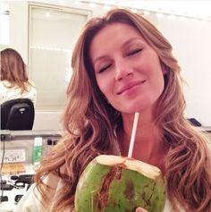 How Gisele Bündchen and Tom Brady eat on vacation http://ibeebz.com