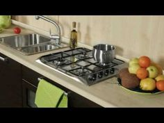 Cocina moderna blanca !!Pequeñísima y dificilisima !!! - YouTube Stove, Kitchen Appliances, Ideas Sencillas, Youtube, Videos, Diy, Modern White Kitchens, Kitchen Styling, Furniture