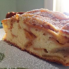 The best way to start your day.. Homemade apple #cake ! Felt like in a bakery  #foodie #foodlover #food #foodporn #cibo #mangiare #eat #recipe #ricetta #instafood #foodpics #foodphotography #hungry #cooking #merenda #snack #apple #bakery #homemade #breakfast #icingsugar #sweet #dolce #yummy #sogood #delicious #tasty by paola.lachef
