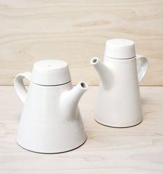 Inside the Billy Lloyd Ceramics Studio – OEN Pottery Teapots, Ceramic Teapots, Ceramic Table, House Kitchenware, Serveware, Tableware, Teapots Unique, Ceramic Studio, Tea Service