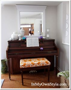 Cover a piano bench