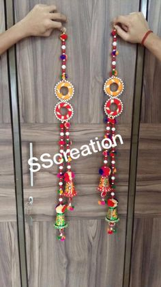 Diwali Decorations At Home, Door Hanging Decorations, Festival Decorations, Diwali Craft, Diwali Diy, Cd Crafts, Diy Home Crafts, Bandhini Dress, Mirror Artwork