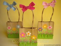 Flower bags - so cute! Easter Arts And Crafts, Spring Crafts, Diy And Crafts, Crafts For Kids, Paper Bag Crafts, Paper Gift Bags, Paper Purse, Easter Activities, Mothers Day Crafts