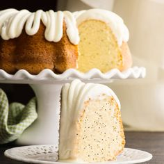 This Almond Poppyseed Bundt Cake is light and fluffy and has great texture and flavor - add the cream cheese frosting for a creamy sweet bite. Holiday Desserts, Easy Desserts, Delicious Desserts, Dessert Recipes, Bunt Cakes, Cupcake Cakes, Cupcakes, Poppy Seed Bundt Cake, Healthy Cake Recipes