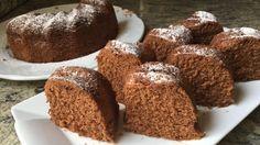 Bizcocho de chocolate al microondas (tierno y esponjoso en sólo 5 minutos)