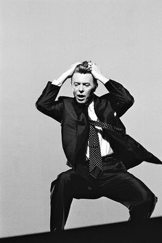 David Bowie - Jump They Say Los Angeles, 1993 - Lester Cohen David Bowie, The Nobodies, Ziggy Played Guitar, Bowie Starman, Fantastic Voyage, The Thin White Duke, Rock N Roll Music, Ziggy Stardust, Lorde